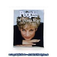 (§) Disc .30¢ Off - 1 pc Dollhouse Magazine - Product Image