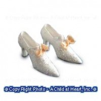 § Disc .60¢ Off - White Sparkle w/Bows Shoes - Product Image