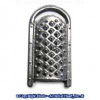 (*) Dollhouse Kitchen Grater - Product Image