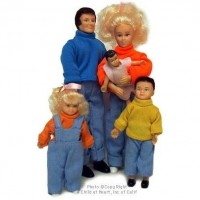 Dollhouse Five Piece Family / Clothing Option - Product Image