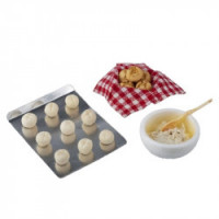 Dollhouse Dinner Rolls in the making - Product Image