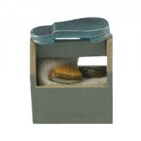 (**) Dollhouse Shoe Shine Box - Product Image